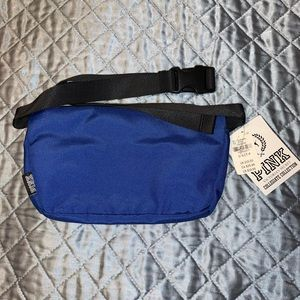 PINK Victoria's Secret Bags - PINK CATS UNIVERSITY OF KENTUCKY FANNY PACK -  NWT